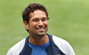 Indian players Sachin Tendulkar smiles after inspecting the wicket at the MCG in Melbourne, 24 December 2007. India are continuing their preparations for the first Test against Australia, which starts 26 December 2007. RESTRICTED TO EDITORIAL USE PUSH TO MOBILE SERVICES OUT AFP PHOTO/William WEST